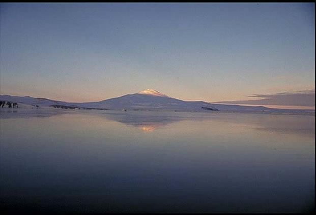 Pietro Armienti - Antartide: Il cuore freddo della Terra_Un viaggio ai confini dello spazio e del tempo